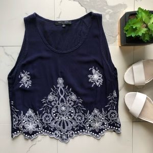 Romeo + Juliet Couture Blue And White Crop Top